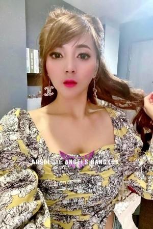Melissa Age: 27